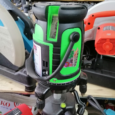 Máy cân bằng laser Akuza tia xanh